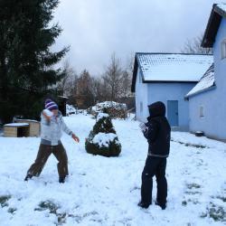 Potem zabawa w śnieżki.