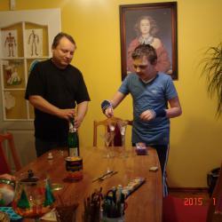 Po powrocie do domu otwieramy nasze szampany no bo przecież jest Nowy 2015 Rok. Oczywiście Ja i Andżelika mamy bezalkoholowe Picollo.