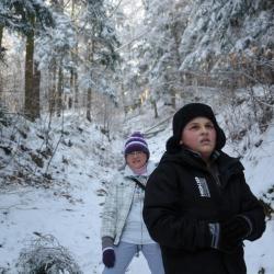 Dzień delikatnie mroźny, z małą ilością śniegu i do tego słoneczny więc spacer bardzo udany :)